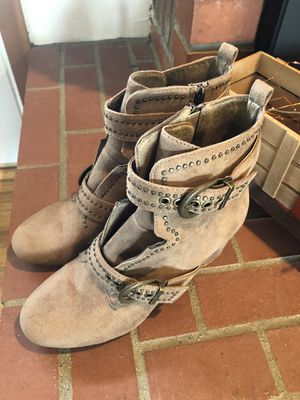 Buckle size 10 heeled boots for Sale in Bend, OR