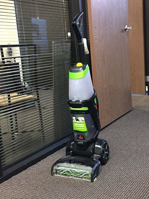 BiSSELL , deep carpet cleaner , retail price $250 our price is $99 for Sale in San Diego, CA