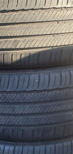 235/40r19 Michelin Tires En Exelentes Condiciones De Vida Las 4 for Sale in Cerritos,  CA