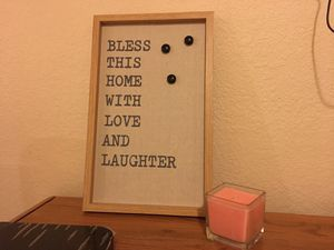 Picture frame with magnets for Sale in Hesperia, CA