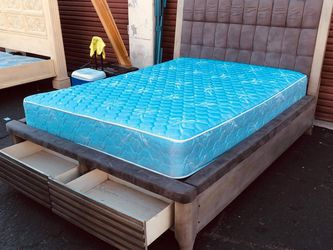 Cama Queen for Sale in Santa Ana,  CA