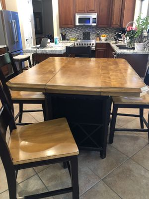 Kitchen table and chandelier for Sale in Chandler, AZ