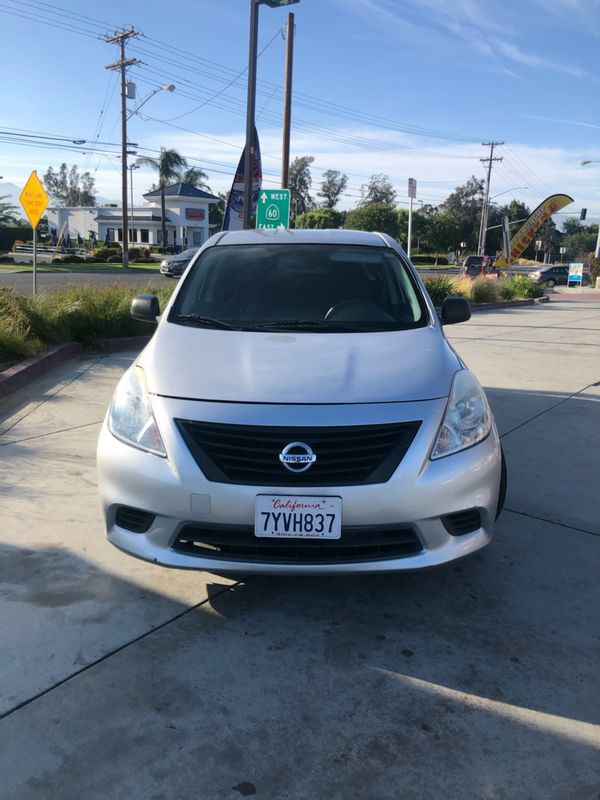 2014 Nissan Versa SS serious buyers plz salvage title