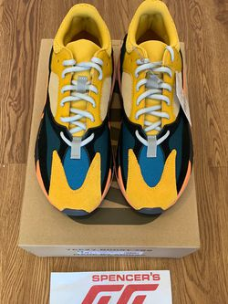 Adidas Yeezy 700 Sun Sizes 9.5 and 10.5 GZ6984 New Deadstock for Sale in Hyattsville,  MD