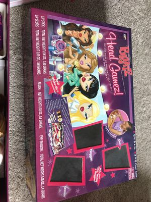 Bratz head board game complete with all accessories!! for Sale in Missouri City, TX