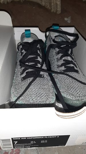 New size 7 woman Nike vapormax for Sale in Spout Spring, VA