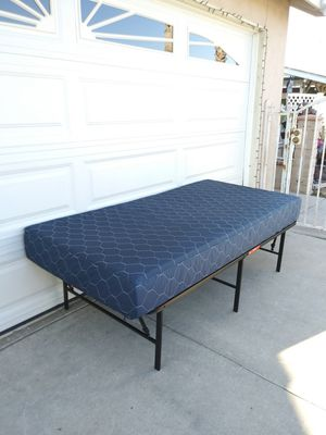 Twin size bed for Sale in Perris, CA