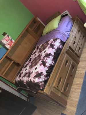 Twin bed and dresser for Sale in Belle Vernon, PA