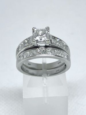 2.46 Carat Total Weight Wedding Band Set. .90 Princess Cut Center with G color and a VS2 Clarity for Sale in Phoenix, AZ