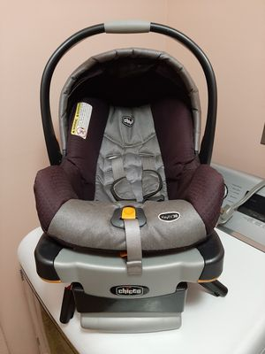 Chicco Brand Baby Carrier for Sale in Millersville, PA