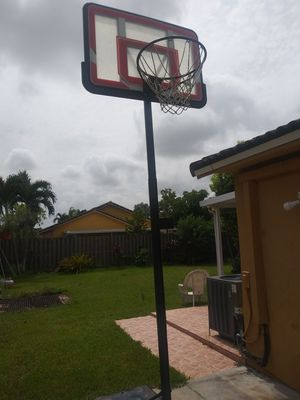 Basketball Pole Hoop for Sale in Miami, FL