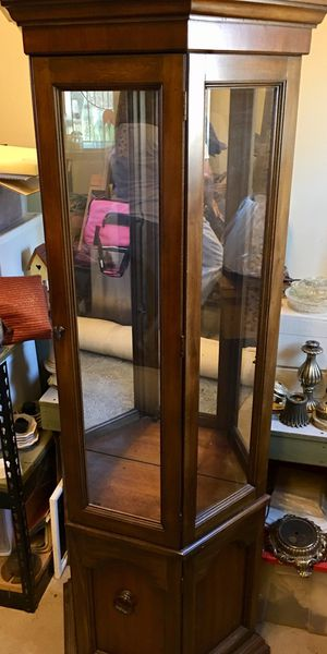 Curio cabinet for Sale in Riddle, OR