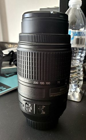 Nikon DX 55mm - 300mm zoom lens - MINT CONDITION for Sale in Gulf Breeze, FL