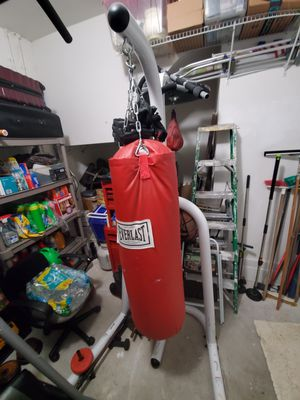 Punching bag and stand for Sale in Miami, FL