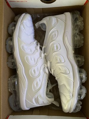 Nike Vapormax Plus White for Sale in Bell Gardens, CA