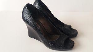 Gianni Bini Women Wedges Embossed Leather 6 1/2 for Sale in Tulsa, OK