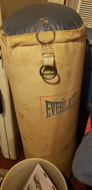 Punching bag for Sale in East Saint Louis, IL