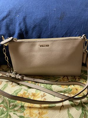 Coach crossbody bag for Sale in Silver Spring, MD