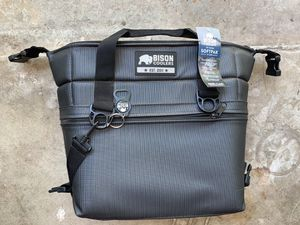 BISON 12 CAN - SOFTPAK COOLER BAG for Sale in Austin, TX