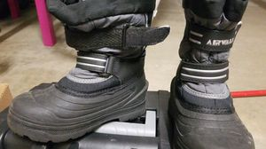 Snow boots size 11 kids for Sale in Los Angeles, CA
