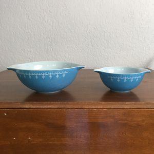 Pyrex bowls, snowflake garland design, 4 quart and 1 1/2 quart sizes for Sale in Plantation, FL