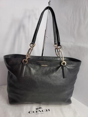 AUTHENTIC COACH MADISON LEATHER EAST/ WEST TOTE BAG BLACK PRICE FIRM 🚫 for Sale in San Antonio, TX