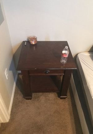 Night stands end tables. 2 of them for Sale in Las Vegas, NV