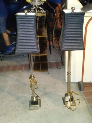 Set of 2 tall floor lamps for Sale in Compton, CA