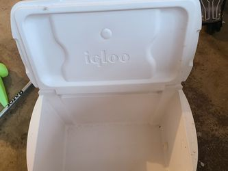 Igloo Cooler for Sale in Olympia,  WA