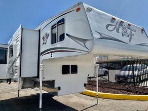 2014 Artic Fox M-990 truck camper for Sale in Temecula, CA