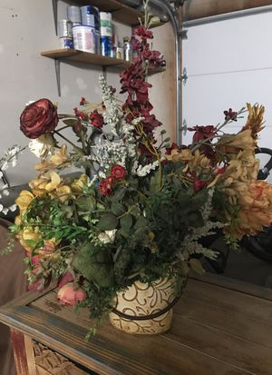 Fake flowers and vase for Sale in Highland, CA