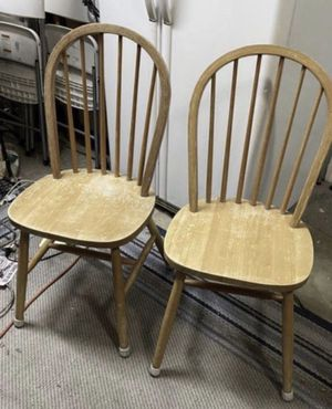 2 Traditional Oak Arrow Back Windsor Solid Wooden Chairs for Sale in Palm Harbor, FL