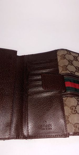 Woman's Gucci wallet for Sale in Marlborough, MA