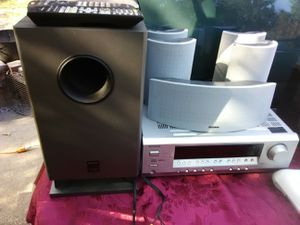 625 Watts Onkyo surround sound receiver with remote control plus speakers and subwoofer bundle for Sale in Washington, DC