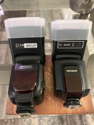 Camera flash NEEWER 562C for Sale in Gardena, CA