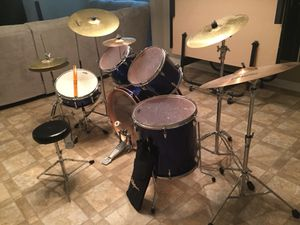 11 piece drum set Yamaha for Sale in Chicago, IL