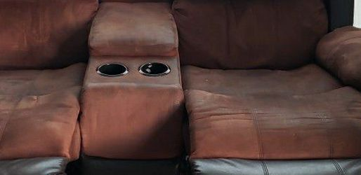Free!! Reclining Loveseat With Storage Console & dual Cupholders for Sale in Half Moon Bay,  CA