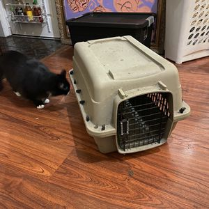"grreat choice dog kennel 24"" for Sale in Oakland, CA"