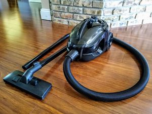 GREAT WORKING LITTLE VACUUM WORKS GREAT ON CARS PLUS HOUSES FIRM PRICE for Sale in LXHTCHEE GRVS, FL