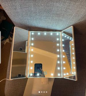 Makeup mirror for Sale in Brooklyn, NY