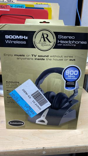 WIRELESS STEREO HEADPHONES for Sale in Gainesville, FL