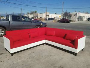 NEW 9X9FT JEOPARDY LIPSTICK FABRIC COMBO SECTIONAL COUCHES for Sale in Moreno Valley, CA