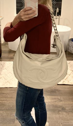 Authentic Chanel hobo bag cream white leather for Sale in San Diego, CA