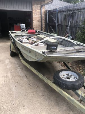 War Eagle 648 LDV Jon Boat w/ 25hp Johnson Motor for Sale in Farmers Branch, TX