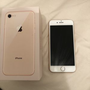 iPhone 8 rose gold perfect condition 64gb for Sale in Snohomish, WA