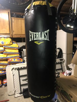 Everlast punching bag for Sale in Federal Way, WA