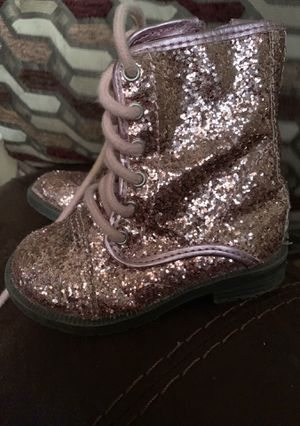 Toddler girl boots for Sale in Harlingen, TX