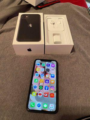 iPhone 11 ATT CLEAN IMEI for Sale in Wichita, KS