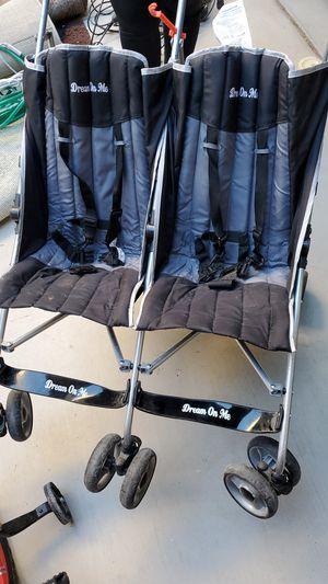 Doble stroller free for Sale in Las Vegas, NV