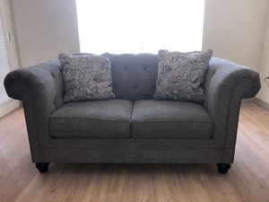 Tufted grey sofa & loveseat set for Sale in Dublin, CA